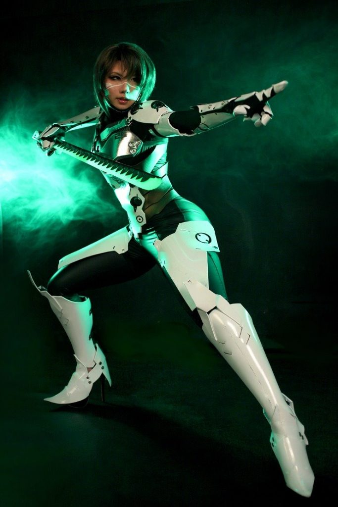 Overwatch: Gorgeous Genji Cosplays