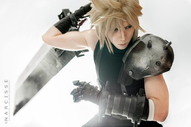 Final Fantasy VII Cloud Strife Cosplay