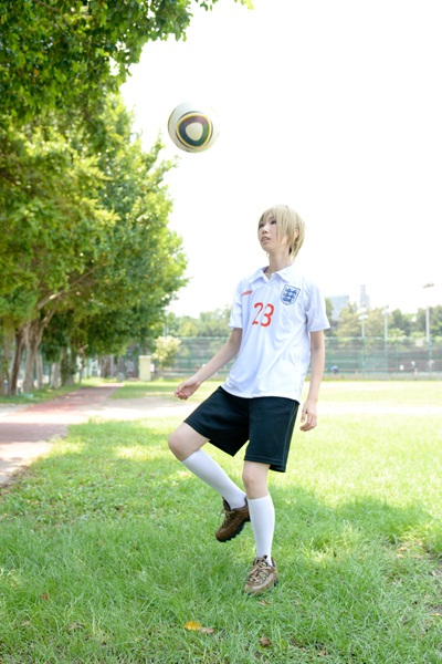 cosalbum-Handsome-Boy-FIFA-Cosplay-400x600-6