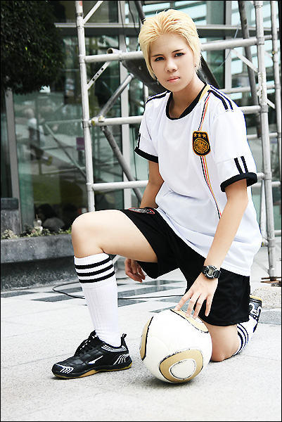 cosalbum-Handsome-Boy-FIFA-Cosplay-401x600-4