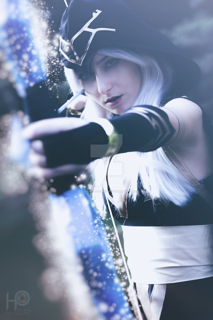 cosalbum-League-of-Legends-Ashe-Sexy-Cosplay-730x1095-3