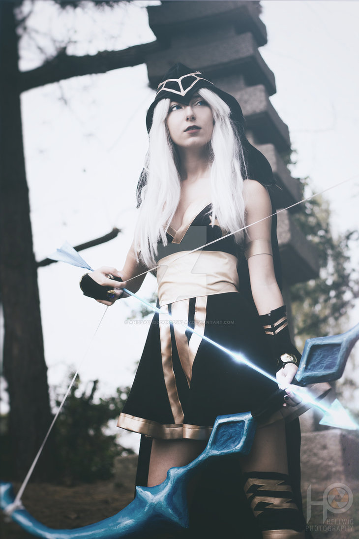 cosalbum-League-of-Legends-Ashe-Sexy-Cosplay-730x1095-4