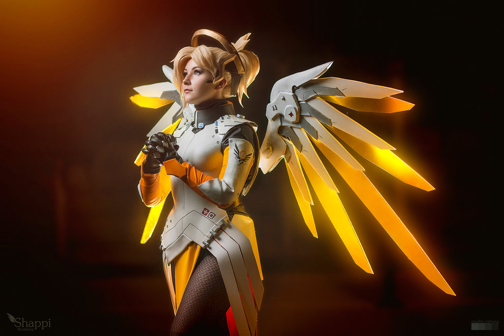 cosalbum-Overwatch-Real-Mercy-Cosplay-1024x683-3