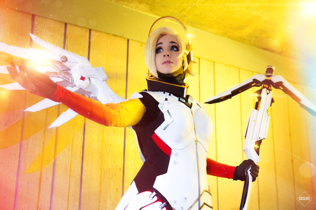 cosalbum-Overwatch-Real-Mercy-Cosplay-1095x730-1